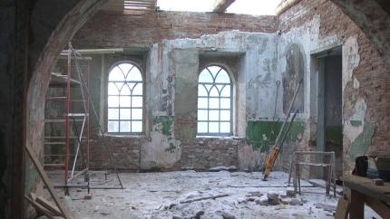 Свято-Николаевский храм обретает прежние черты